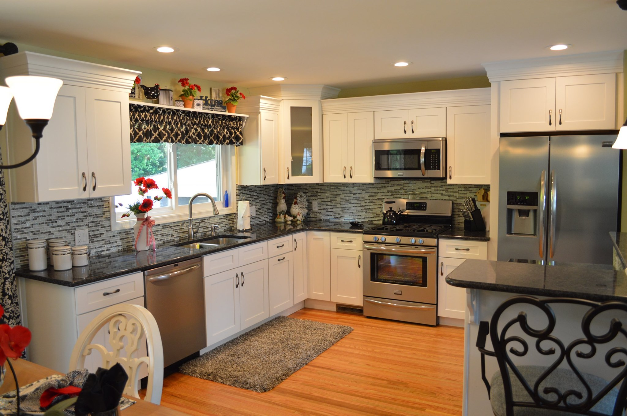 MAW Construction offers kitchen remodeling services